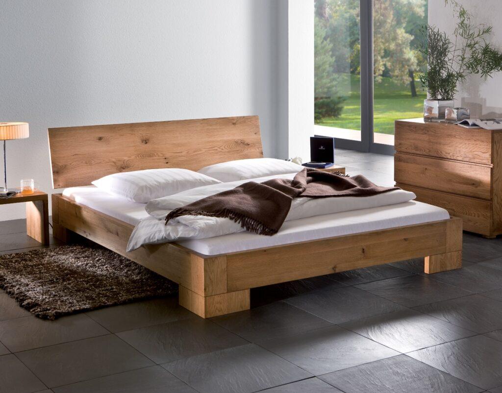 מיטות מעץ מלא